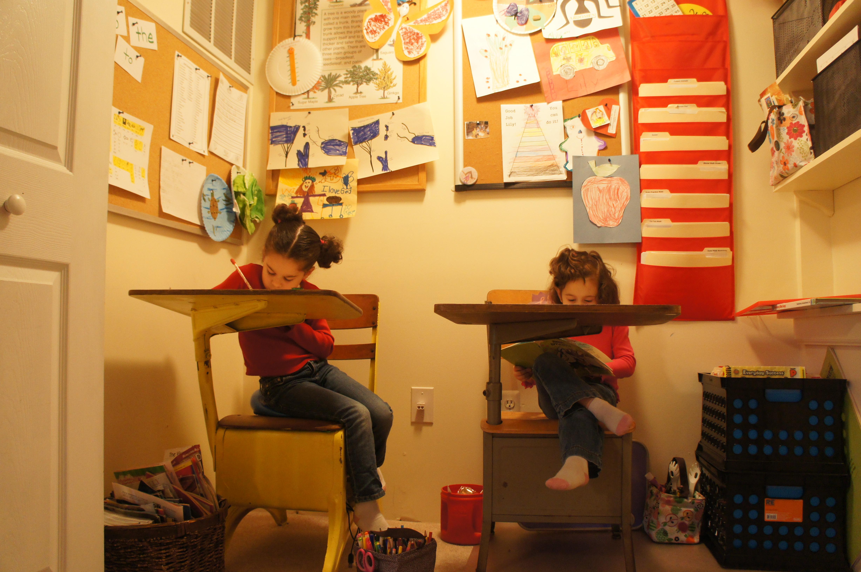 Homeschool Classroom Area | Becoming a Modern Proverbs 31 Woman